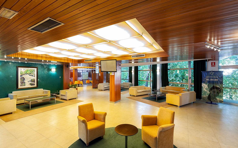 Hall Hotel Balneario de Compostela